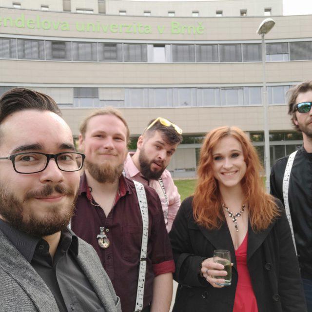 Jambox.cz party band kapela na svatbu a firemní večírky